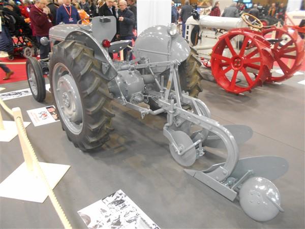 19064